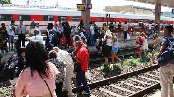 binari-pendolari-protesta