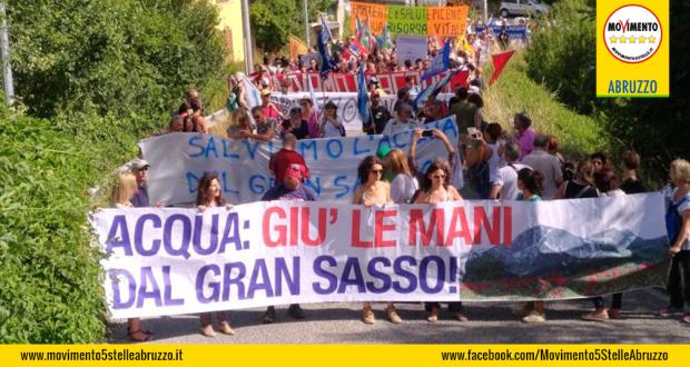 Acuqa_Gran_Sasso_Protesta